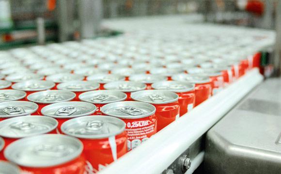 Gewerkschaft:Warnstreikwelle an Coca-Cola-Standorten