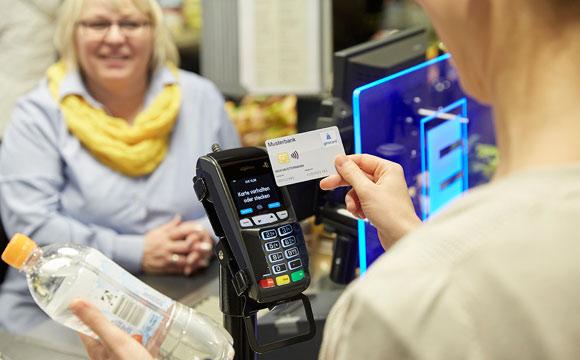 Kunden nutzen Girocard kontaktlos immer öfter