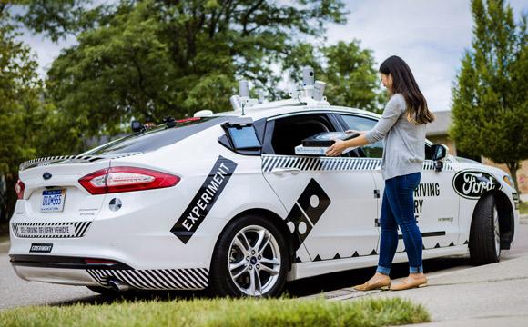 Domino's Pizza/Ford: Test von autonomen Lieferfahrzeugen