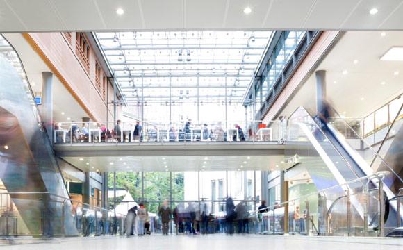 Deutsche Wirtschaft:  Gute Stimmung, getrübte Lage im Einzelhandel