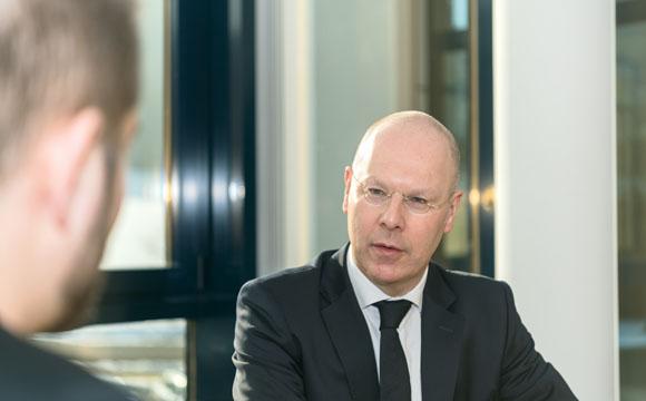 Interview mit Robert Mähler: Weg vom Plankauf-Image!