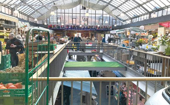 Land Stadt Markthalle
