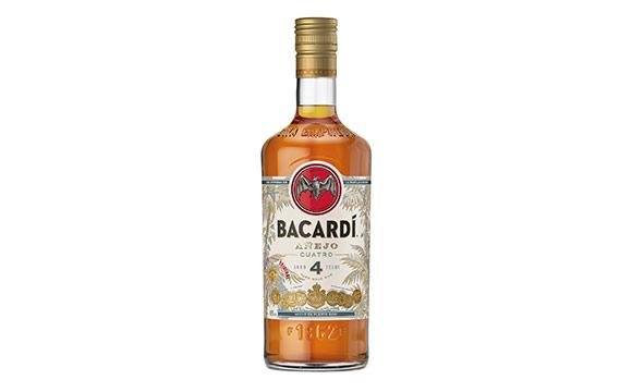 Spirituosen - Gold: Bacardí Añejo Cuatro / Bacardi
