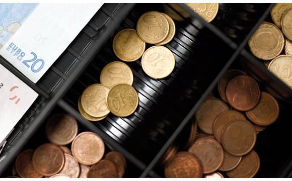 LEH/Bundesagentur für Arbeit: Vorschuss an der Supermarktkasse