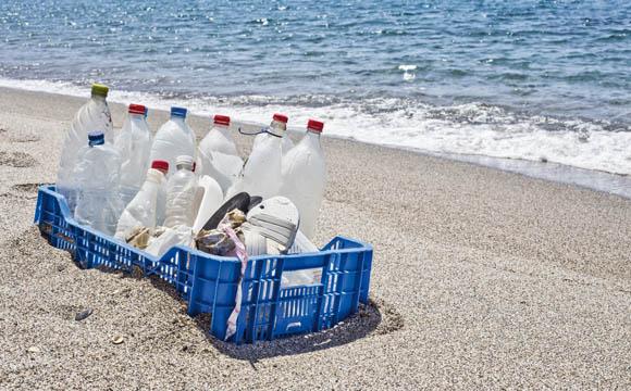 Beifang Plastikmüll wird zur Verpackung