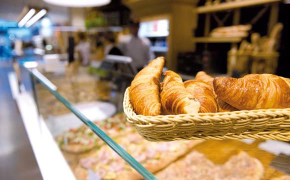 Besiegelt Kooperation mit Bäckerei Allwörden