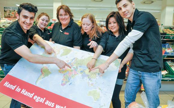 Migration:Integration: Zwischen Hilfsbereitschaft und ökonomischen Interesse
