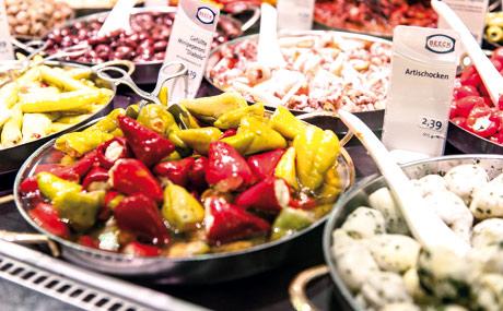 Konzeptioneller Background für feine Salate