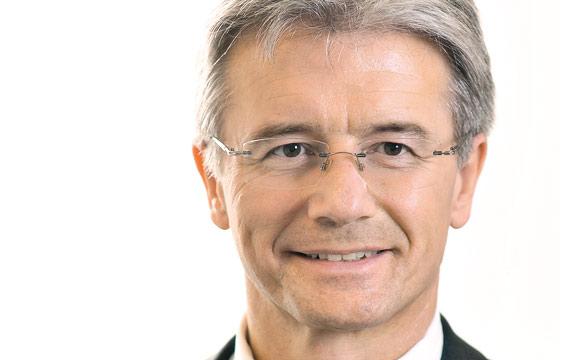 """""""Effiziente steckerfertige Kühlmöbel tragen maximal 12 Prozent zum Wärmeeintrag im Markt bei."""" Dr. Jürgen Steinmaßl"""