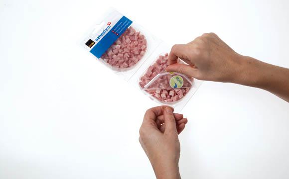 """""""Easy to open"""" ist das Label, das die überarbeitete Verpackung für Naturafarm-Produkte der Coop Schweiz trägt."""