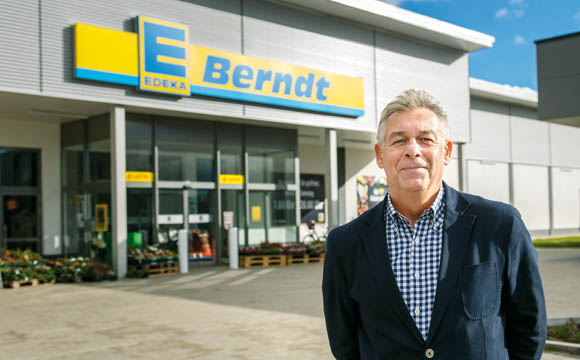Edekaner Jörg Berndt freut sich über höhere Abverkäufe.