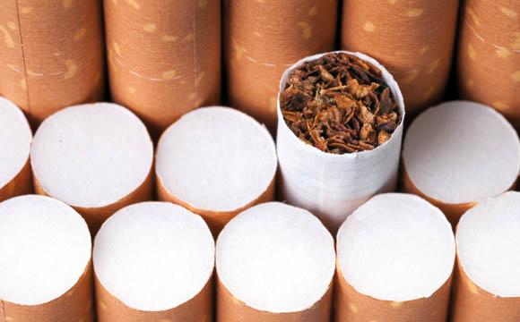 Tabak und Zigaretten:Fiskus verdient weniger an Rauchern