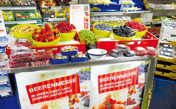Verkostungen: Bei der Beerenmesse können die Kunden das Sortiment kosten.