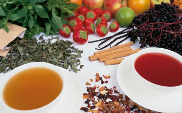 Rohstoffe zur Teeherstellung.