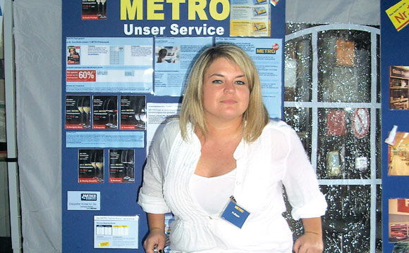 Nadine Bayer, Metro
