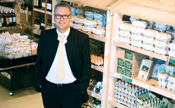 Botschafter: Um mehr Verbraucher von Bio zu überzeugen setzt Stephan Paulke auf eine klare Kommunikation und die Visualisierung wichtiger Kernbotschaften auf der Fläche.
