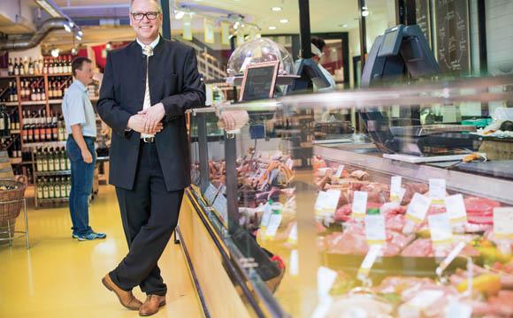 Profilierung über Frische: Basic-Märkte punkten mit Bedienungstheken für Fleisch, [...]