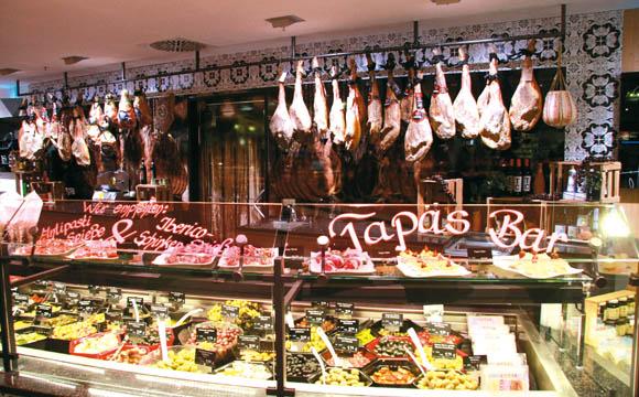 Fleisch und Wurst zählen zu den Treibern bei Gebauers. In Bonlanden gibt es seit Neuestem auch eine Tapas-Bar mit Antipasti und hochwertigen Ibérico-Schinken.