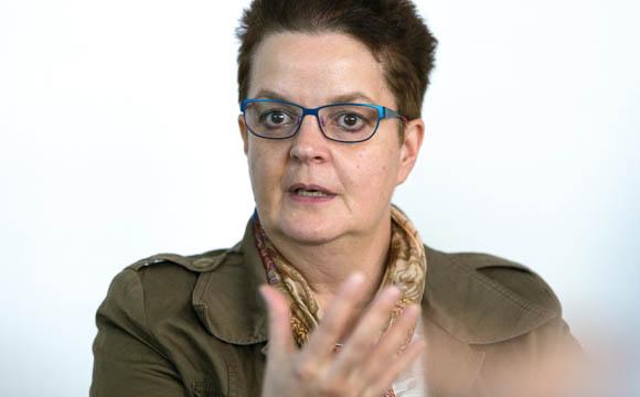 """""""E-Commerce ist ein wichtiger Punkt, auch fürs Image des Handels.""""  Hannelie Bohnes, Real Personalentwicklung"""