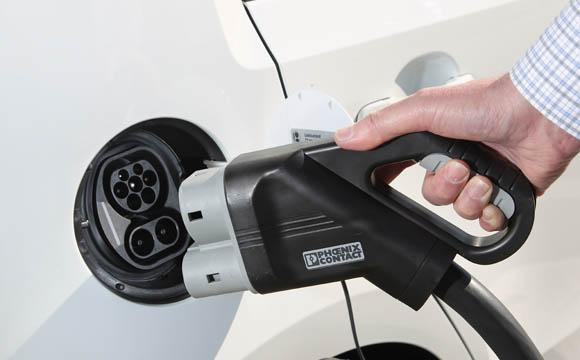 """Elektrische Transporterlösung für die Citylogistik und den Heimlieferservice: """"e-load up!"""" von VW."""