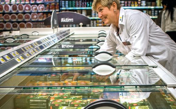 """28 Prozent der Kunden verlassen die TK-Abteilung, weil sie das gesuchte Produkt nicht gefunden haben: Ein """"Gegenmittel"""" sind konsequent dem Kunden zugewandte Facings. (Edeka Gebr. Gotthardt in Duderstadt)"""