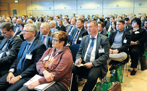 Aufmerksam folgten die Zuhörer den Vorträgen.