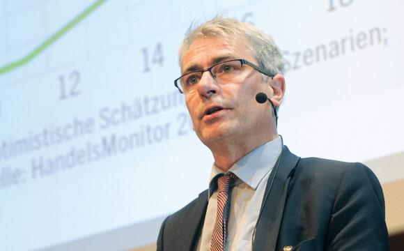 Joosten Brüggemann (BüntingE-Commerce) sprach über Chancen und Risiken im Onlinehandel mit Lebensmitteln.