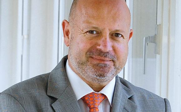 """""""Handeln aus Verantwortung ist kein Marketing-Gag, sondern ein Grundsatz.""""<br /> Peter Reitz, Real Division Manager O&G."""
