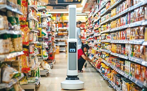 Der batteriebetriebene Roboter Tally arbeitet völlig automatisch und kehrt auch selbstständig zur Ladestation zurück.<br />