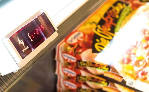 Temperaturen und Füllstände der Geräte sind regelmäßig zu kontrollieren.