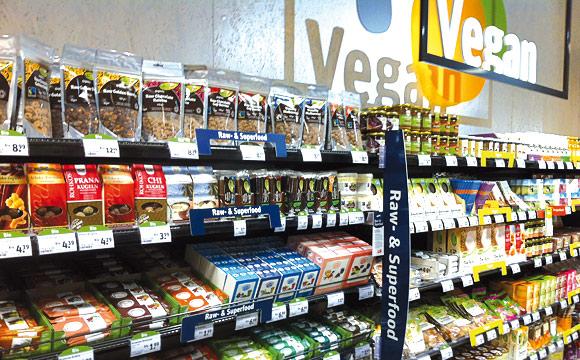 Tegut platziert Veganes, Rawund<br /> Superfood sowie Glutenfreies in einem Block.