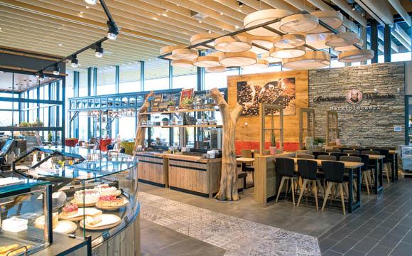Edeka gaimersheim appetit auf mehr lebensmittel praxis for Mobelhof ingolstadt kuchen