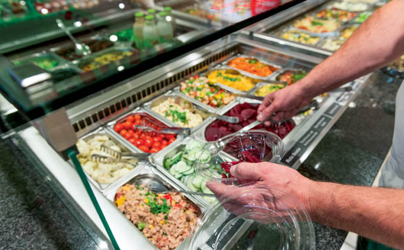 Salatbar: An diesem Verkaufspunkt kommen Fresh Cut-Salate ebenso zum Einsatz.