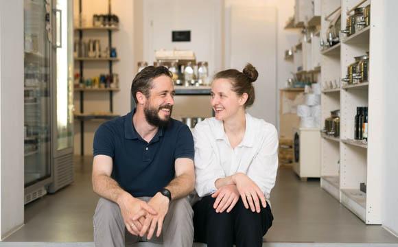Quereinsteiger in den Handel: Carlo Krauß und Hannah Sartin.