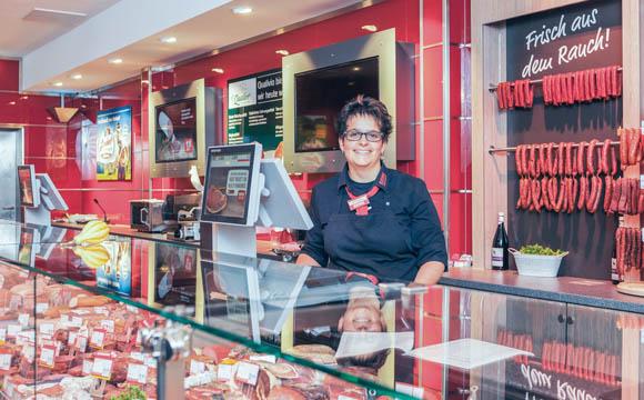 Die Ware an Fleisch- und Wursttheke stammt zu einem großen Teil von lokalen Metzgern.