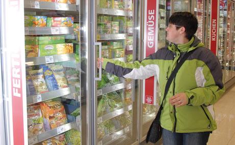 Transparenz: Direkter Blick auf die TK-Produkte, trotz Türen.