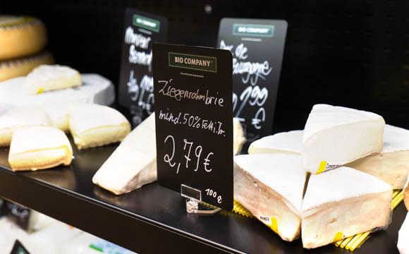 Die Besonderheit am Ende des Marktes: der offene, aber gesonderte Käse-Humidor.