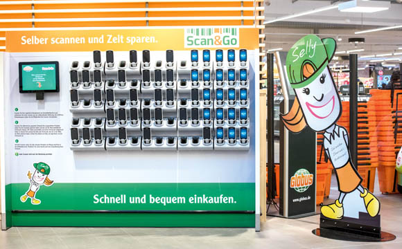 """""""Scan-to-go"""" – auch in Rüsselsheim noch neu. Die Zahl der Self-Scanning- Nutzer steigt aber kontinuierlich."""