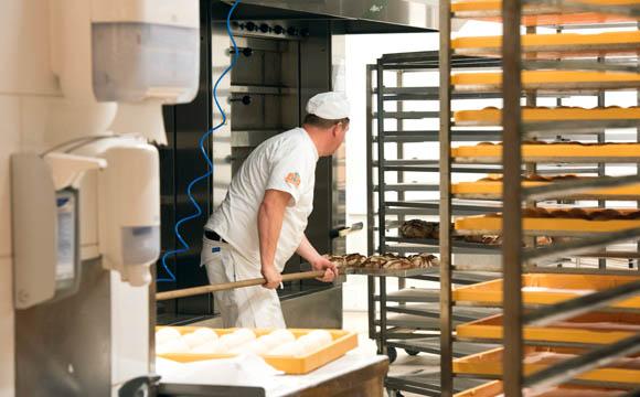 Transparent: Die Meisterbäckerei. Hier wird täglich frisch gebacken.