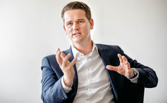 """""""Vorreiter sind wir klar beim Thema Klimaneutralität.""""<br /> Florian Kempf, Leiter Energiemanagement bei Aldi Süd"""