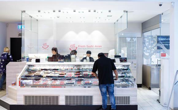 Sushi ist relativ neu. Die Eat Happy-Station wurde der Marktoptik angepasst und soll noch mehr Frischekompetenz vermitteln.