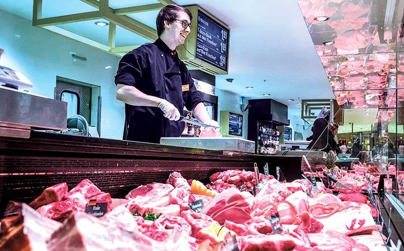 Verbraucher greifen seltener zu Fleisch