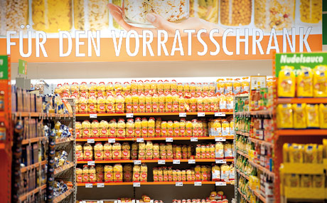 Warenwelten: Die Umgestaltung des Marktes 2009 mit der Schaffung von Warenwelten basierte auf Kundenwünschen und -vorschlägen.