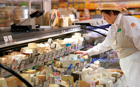 Inspiration: für die offene Käse-Theke holte man sich aus Italien.