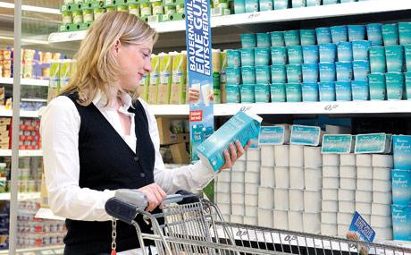 Real garantiert, dass die Bauernmilch aus der Region stammt. (Bildquelle: Real)