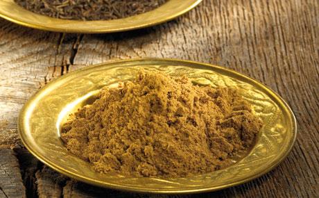Cumin: Cumin bzw. Kreuzkümmel zählt mit zu den am weitest verbreiteten Gewürzen. Er besitzt einen aromatischen Duft und einen leicht scharfen, etwas bitteren Geschmack. Typisch für Couscous und Chili con Carne.