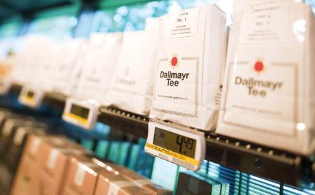 Original: Teesorten des Münchner Traditionshauses Dallmayr sind im Regal ein Muss.