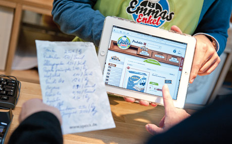 MODERN: Bestellung per iPad.
