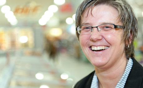 Verantwortlich Marktleiterin Sandra Heuser ...