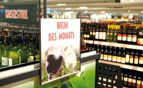 """Der """"Wein des Monats"""" garantiert Aufmerksamkeit."""